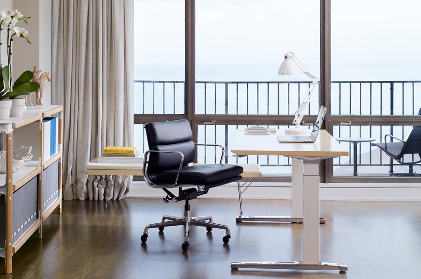 les plus beaux bureaux debout. Black Bedroom Furniture Sets. Home Design Ideas